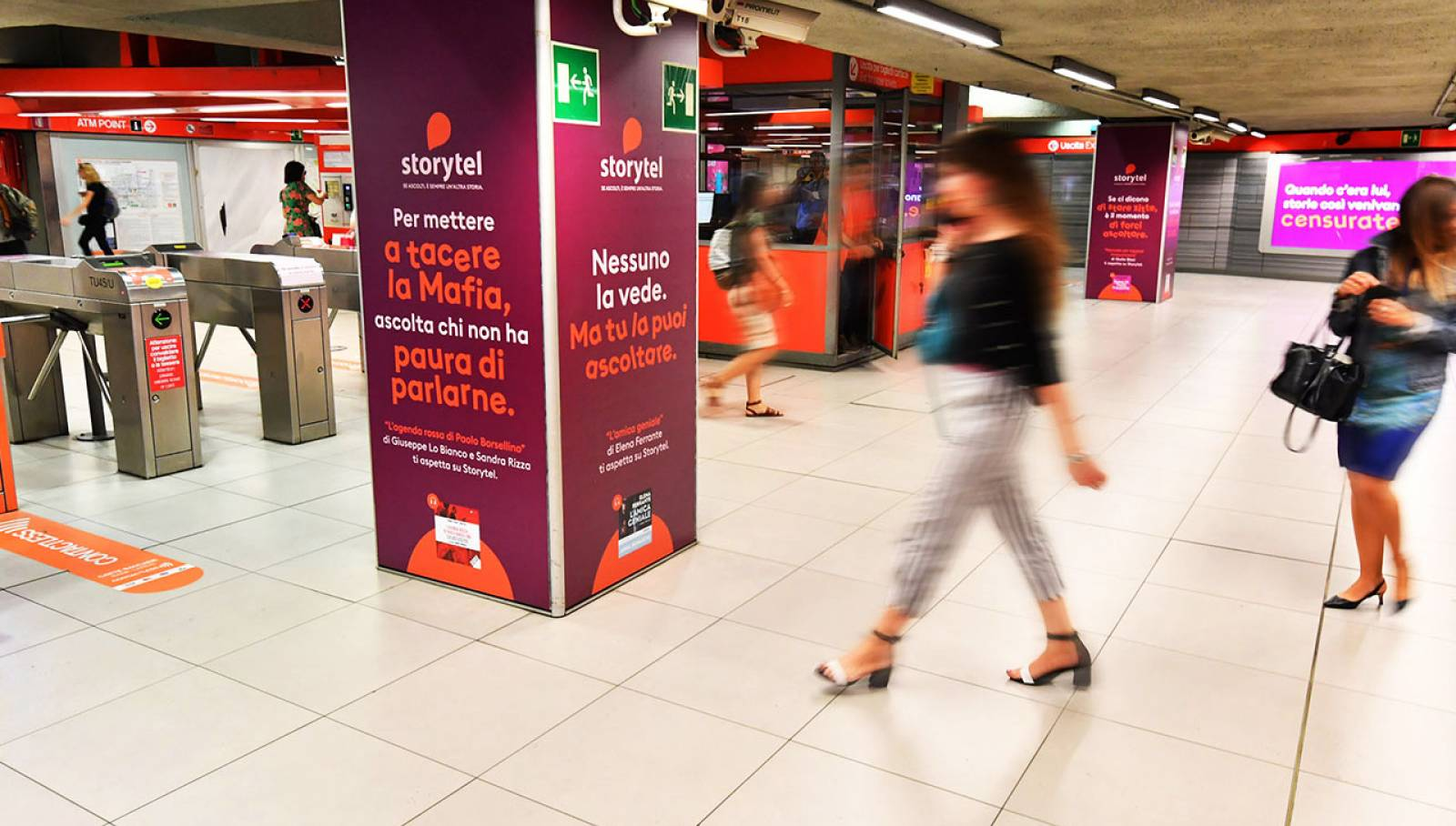 IGPDecaux Milano Station Domination per Storytel