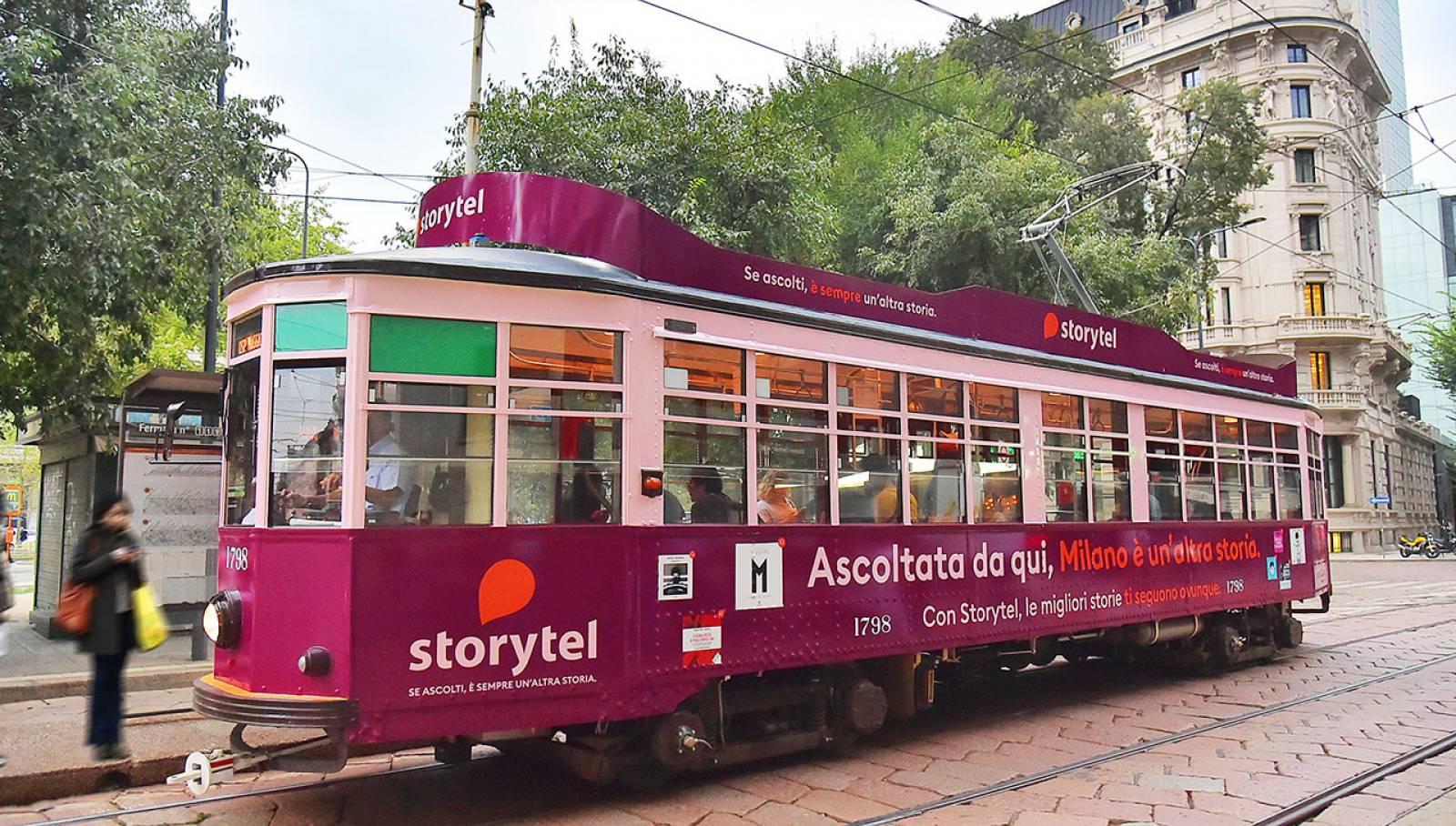 Pubblicità sui tram IGPDecaux Full-Wrap a Milano per Storytel