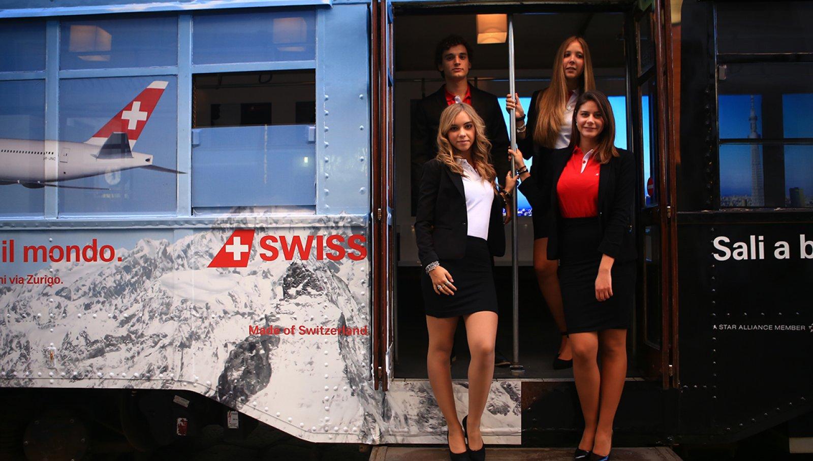 Pubblicità sui tram IGPDecaux tram speciale per Swiss International Airlines a Milano