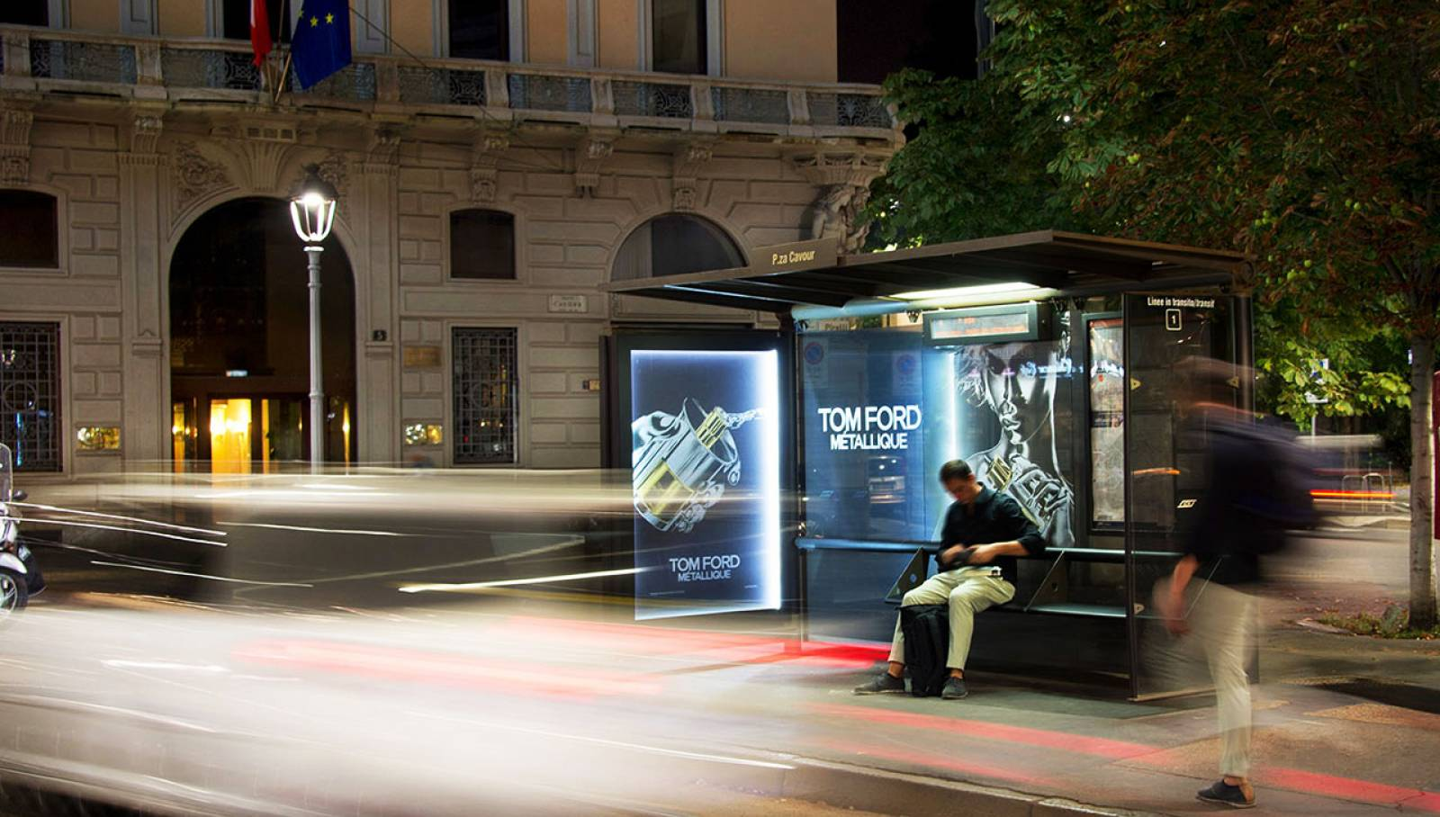 OOH advertising IGPDecaux Milano brand pensiline per Tom Ford