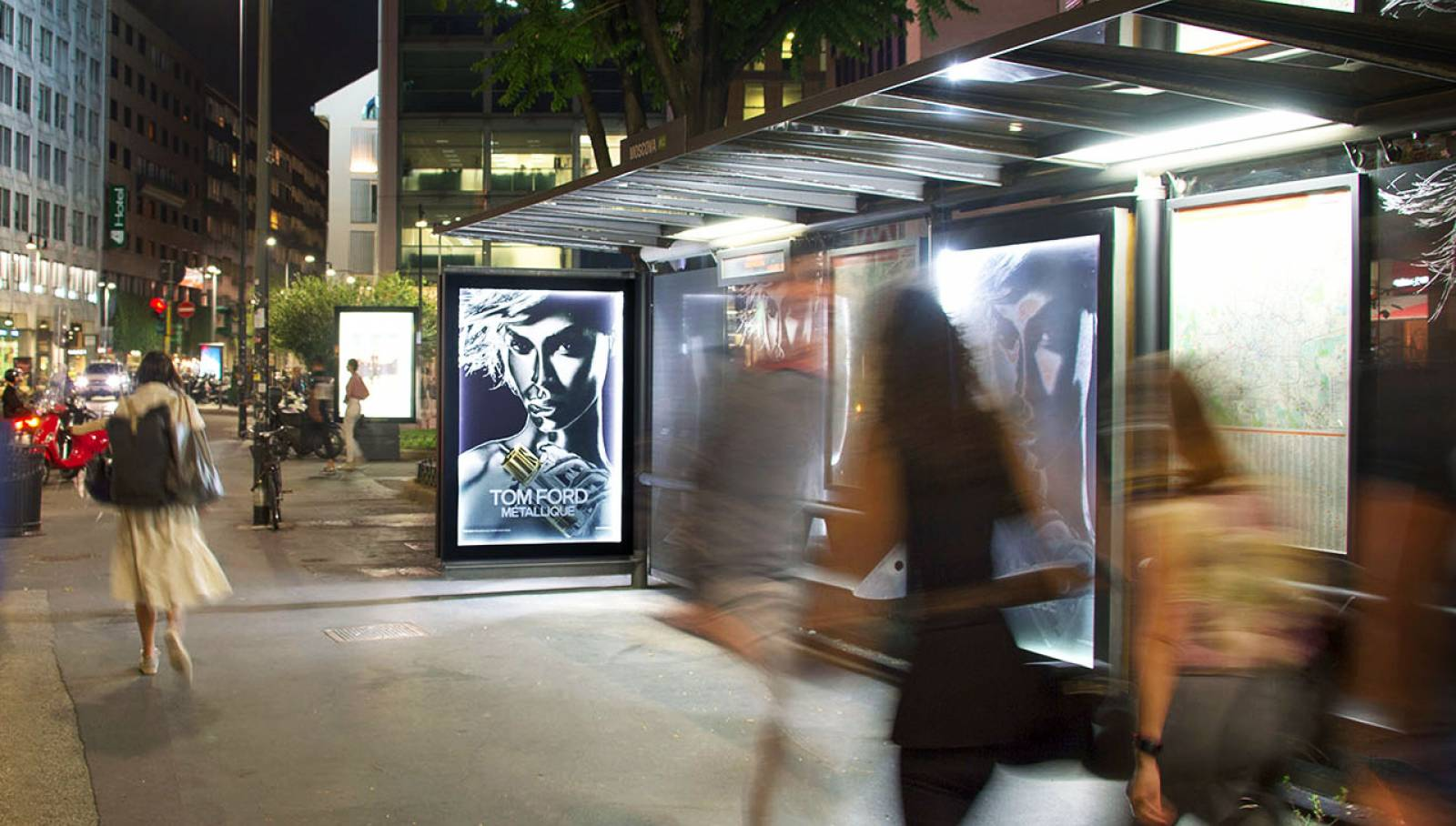 OOH IGPDecaux Milan brand shelters Tom Ford