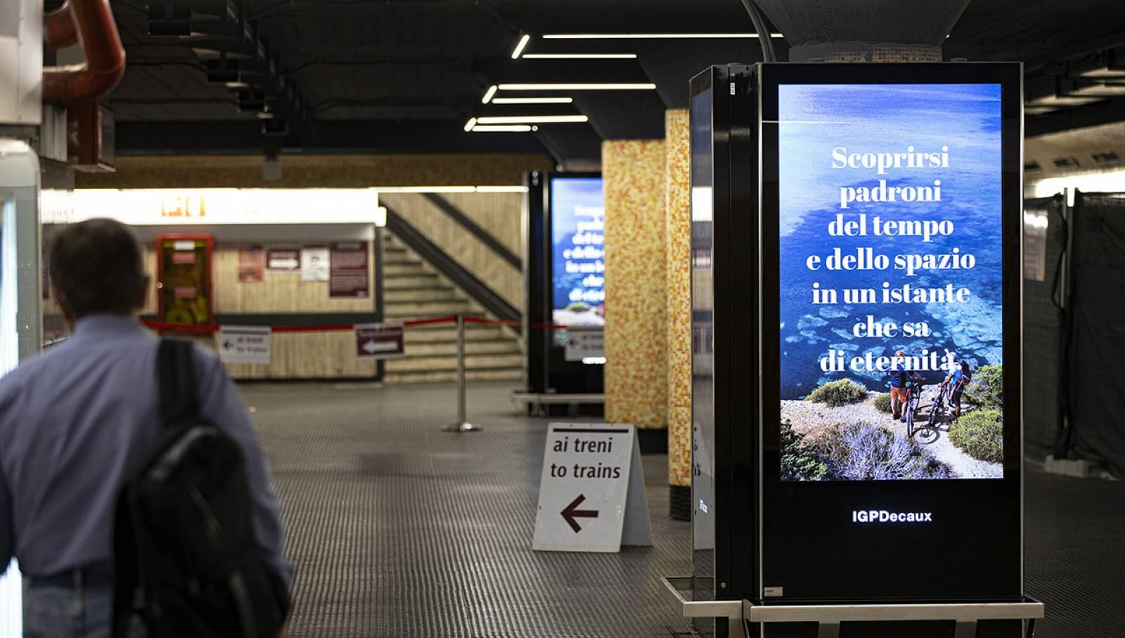 Pubblicità metro IGPDecaux Roma Network Vision per Toscana Promozione Turistica