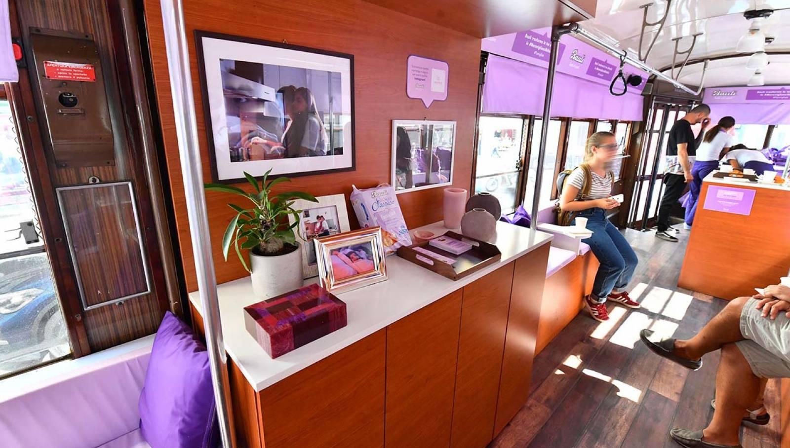 IGPDecaux Milano tram speciale per Bauli