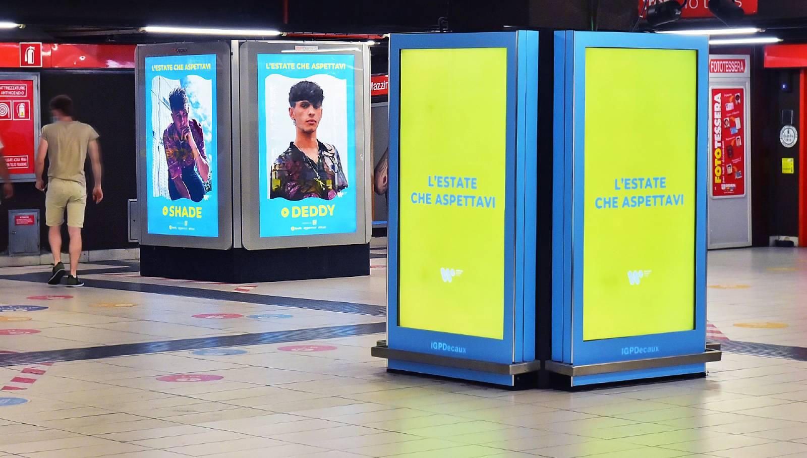 Pubblicità OOH IGPDecaux a Milano Station Domination in metropolitana per Warner Music Italy