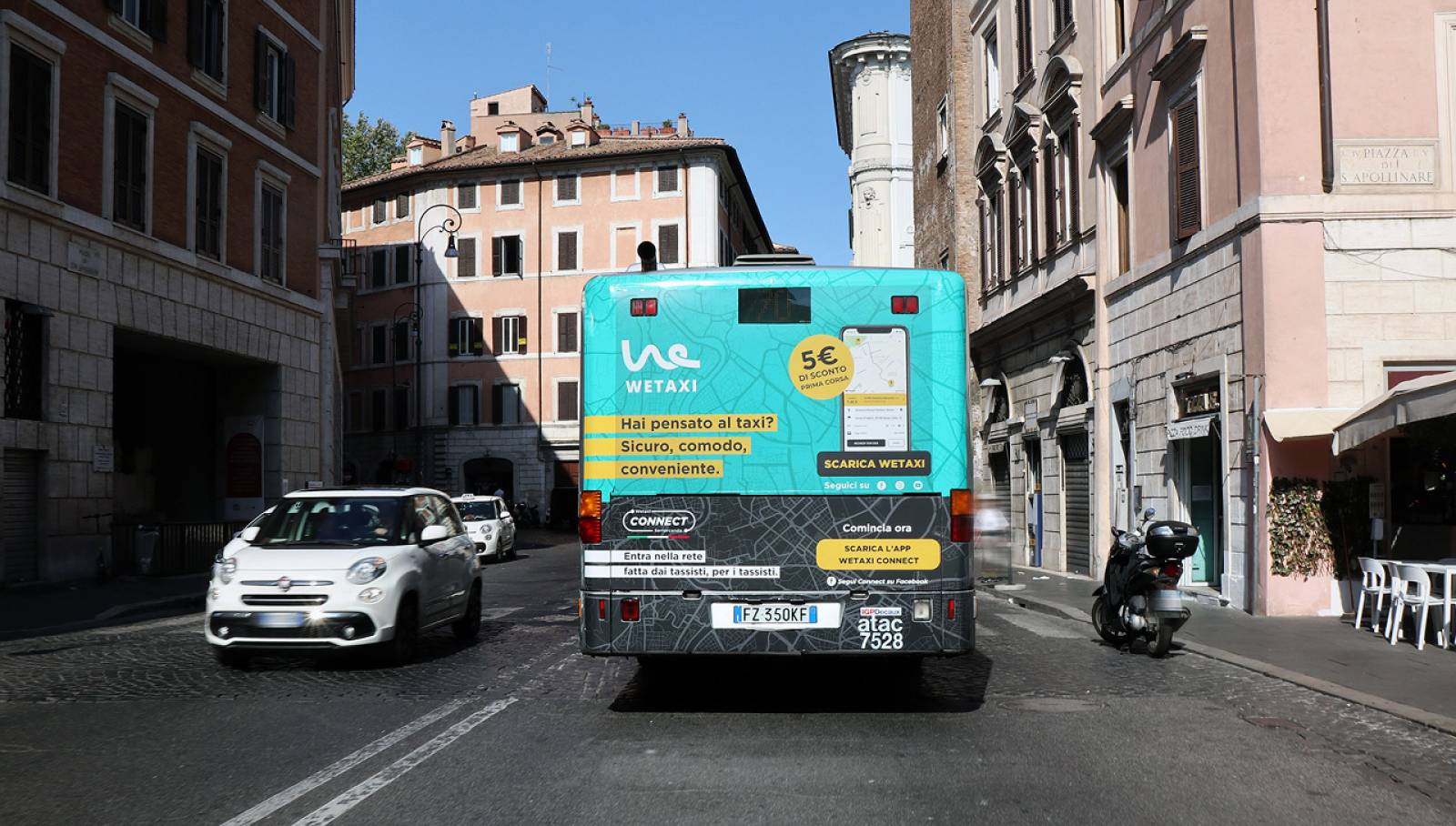 Outdoor advertising IGPDecaux a Roma Fullback per WeTaxi