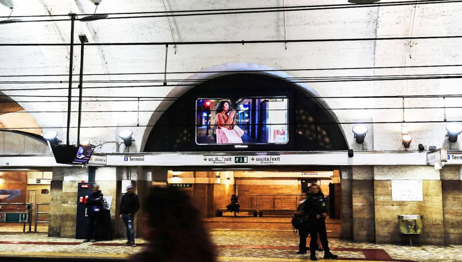 Comunicazione outdoor IGPDecaux Roma Horizon per Western Union