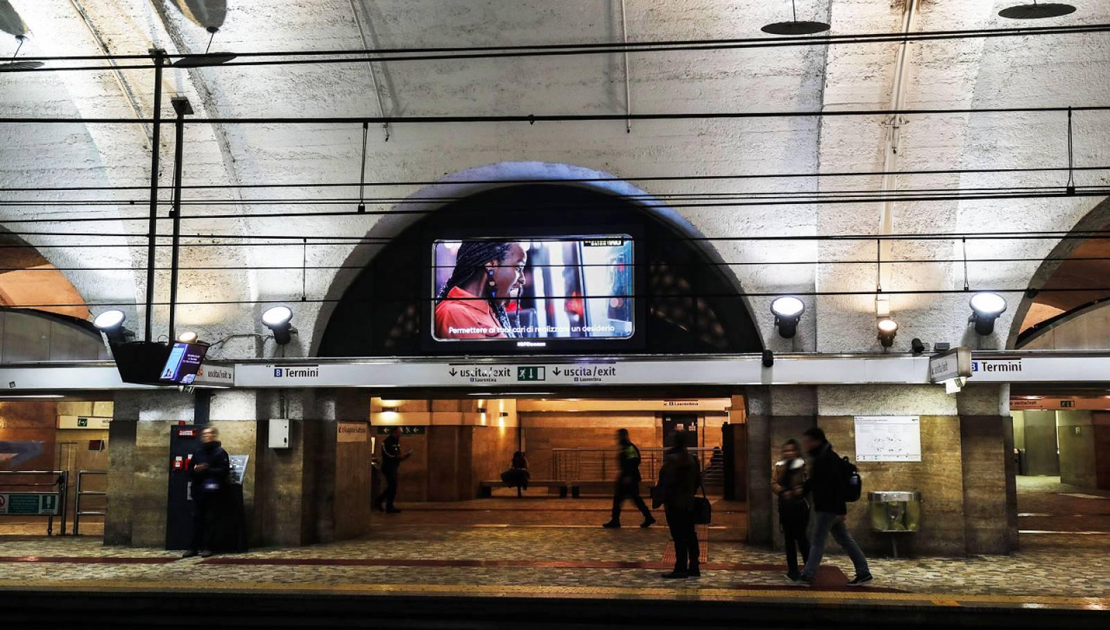 Pubblicità in metropolitana IGPDecaux Horizon a Roma per Western Union
