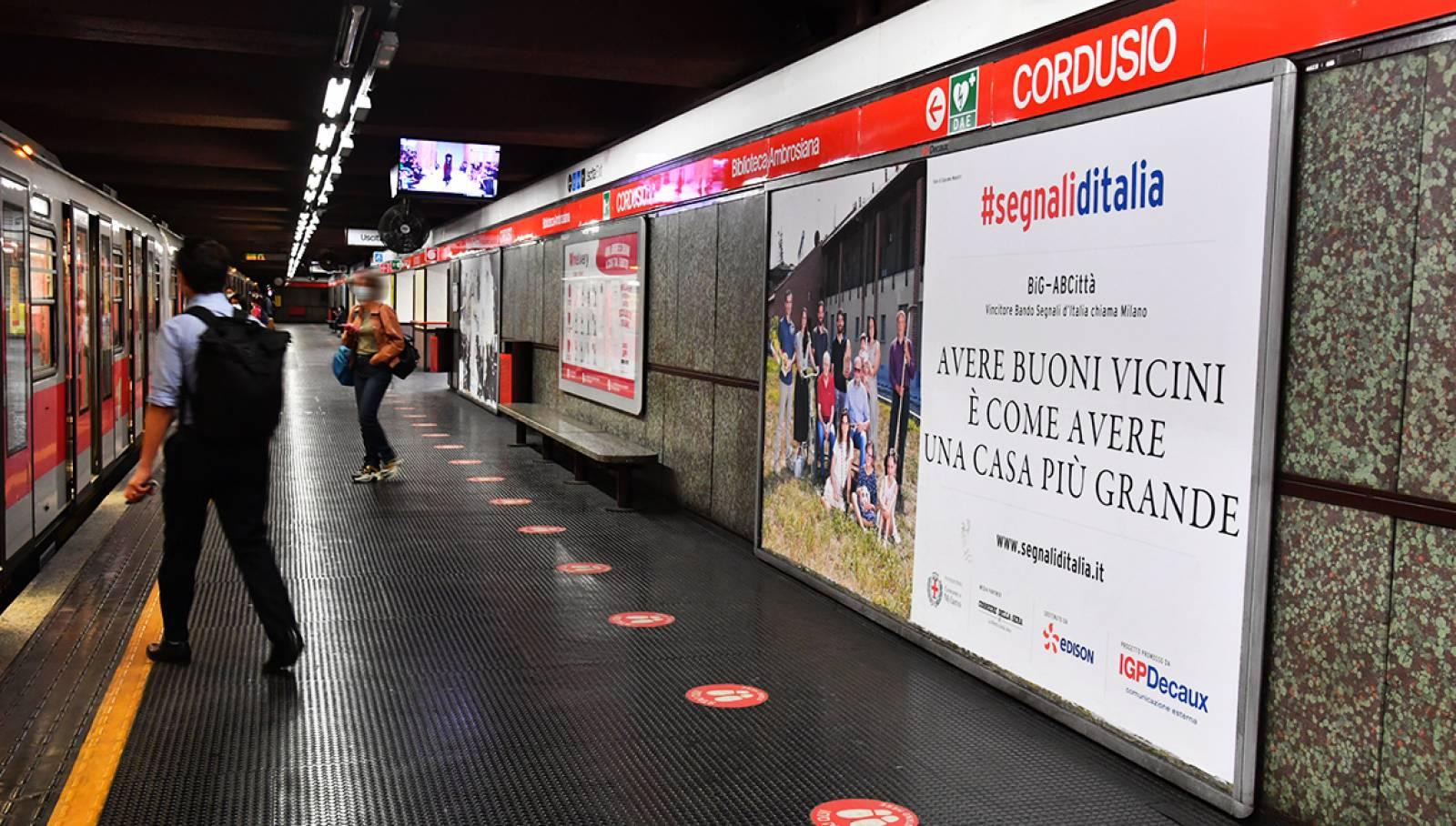 Pubblicità in metropolitana IGPDecaux Milano Circuito Maxi per big AbCittà bando Segnali d'Italia
