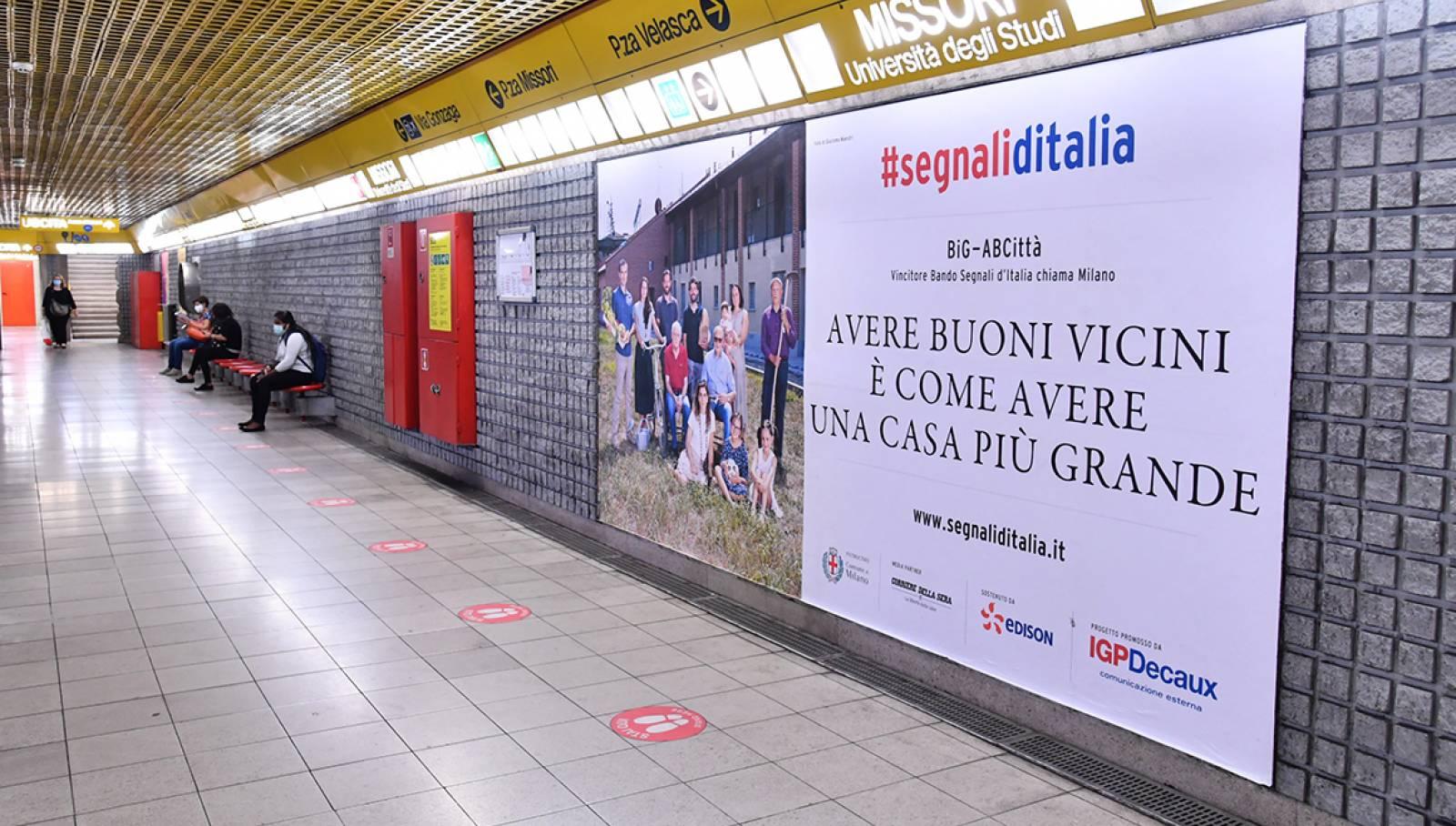 IGPDecaux campagna Segnali d'Italia circuito Maxi per big AbCittà in metropolitana a Milano