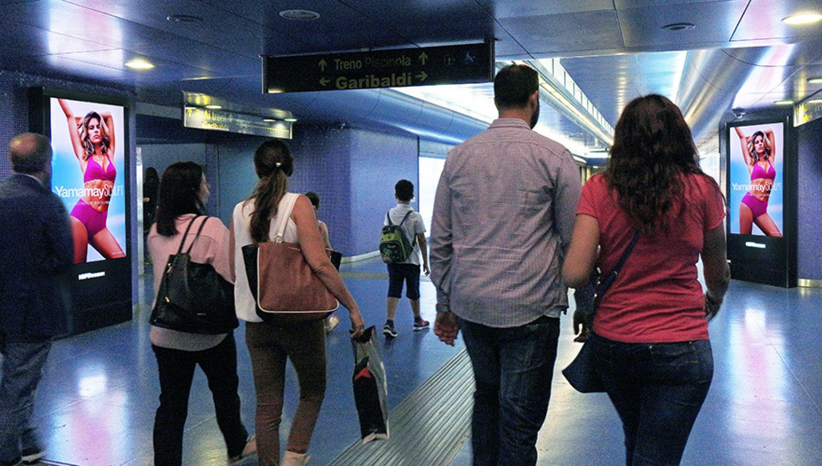 Pubblicità in metropolitana Napoli circuito digital IGPDecaux per Yamamai