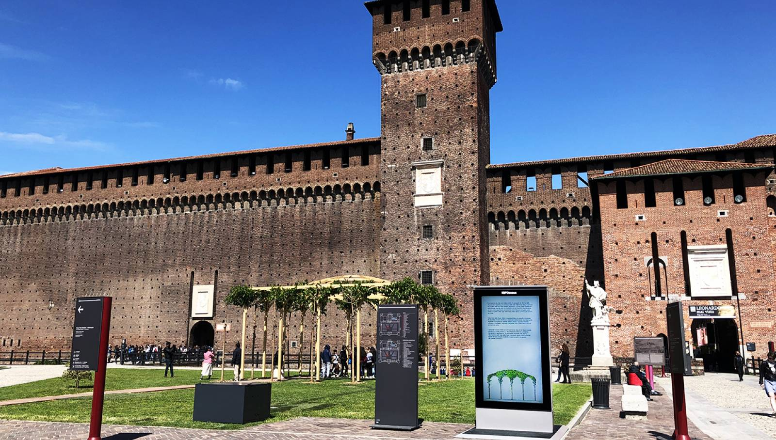 IGPDecaux Milan Digital Screen Sala delle Asse Sforza Castle