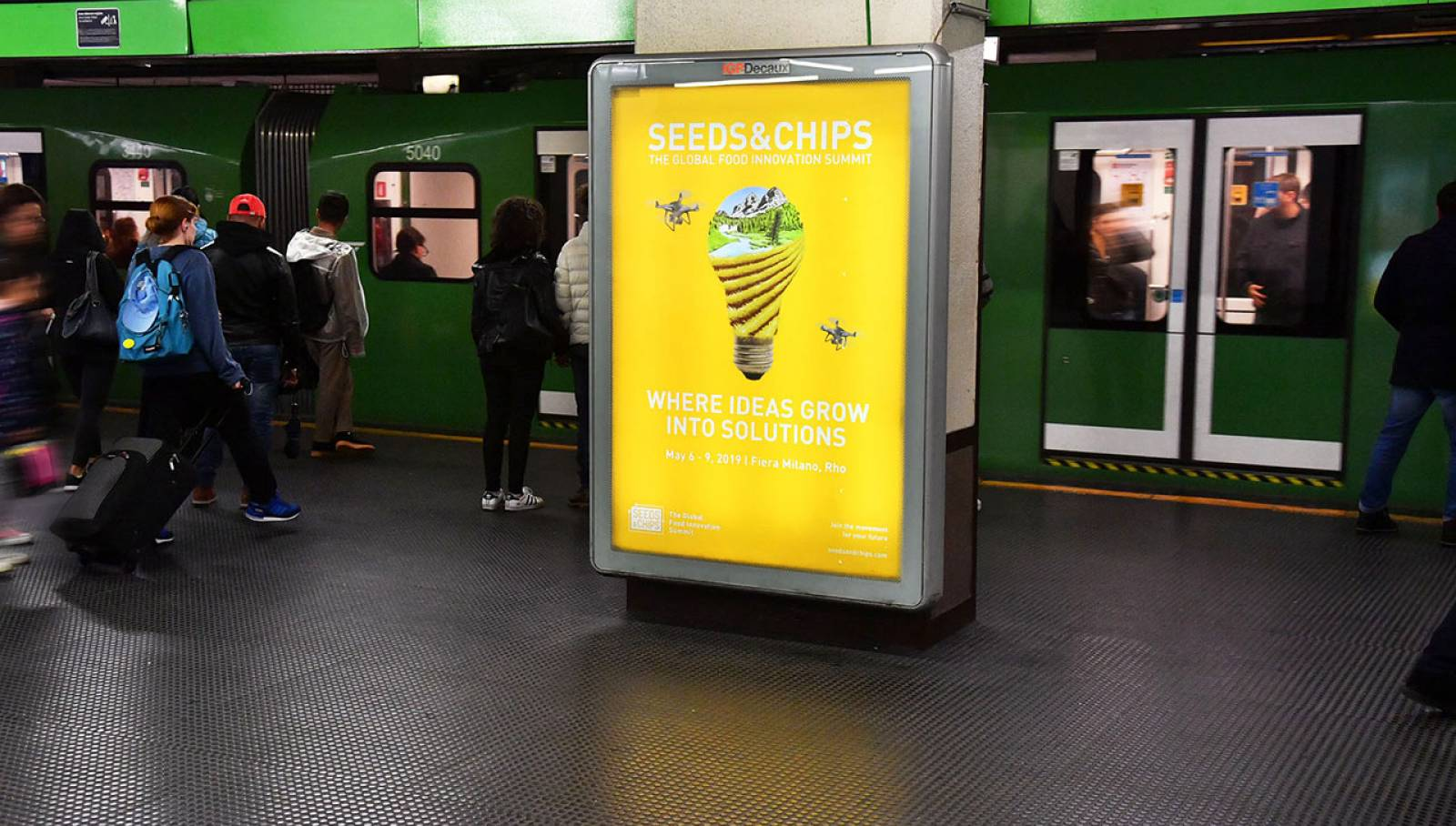Pubblicità in metropolitana a Milano circuito a copertura portrait IGPDecaux per Seeds&Chips