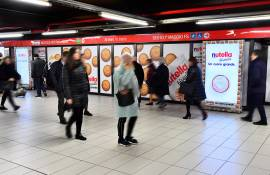 IGPDecaux Out of Home advertising a Milano Station Domination per Ferrero Nutella Biscuits