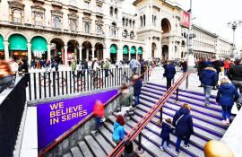 Pubblicità in metropolitana a Milano IGPdecaux Metro domination per il Trono di Spade Now TV