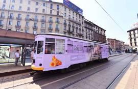 Pubblicità sui tram Milano IGPDecaux tram speciale per Bauli