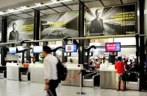 Pubblicità in aeroporto IGPDecaux domination a Linate per CheBanca!