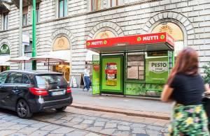 IGPDecaux OOH advertising Brand pensilina a Milano per Mutti