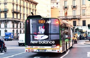 IGPDecaux pubblicità su autobus a Milano FullBack per New Balance