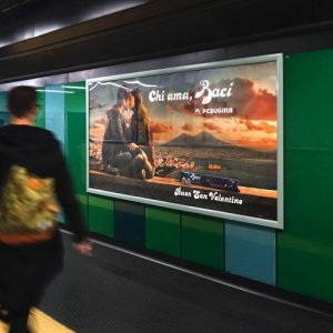 Underground advertising Naples IGPDecaux landscape coverage network for Perugina
