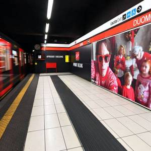 Underground Advertising IGPDecaux in Milan Area Station Domination for Ray-Ban