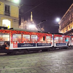 IGPDecaux OOH advertising in Milan Full-Wrap for Airc