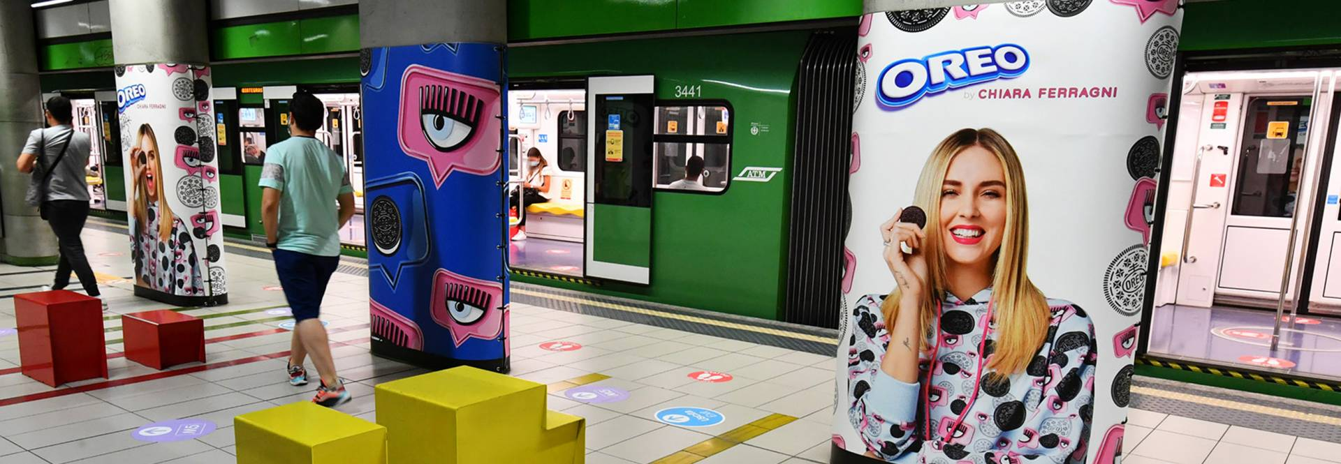 Station Domination in metropolitana a Milano IGPDecaux