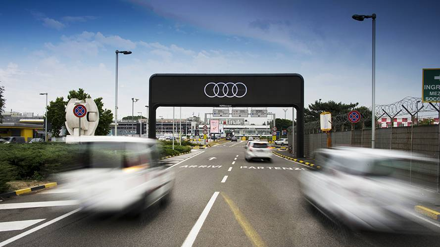 DOOH IGPDecaux Digital Gate at Linate Airport for Audi