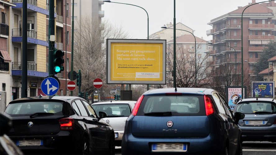 Affissioni pubblicitarie IGPDecaux a Torino Senior per Adecco