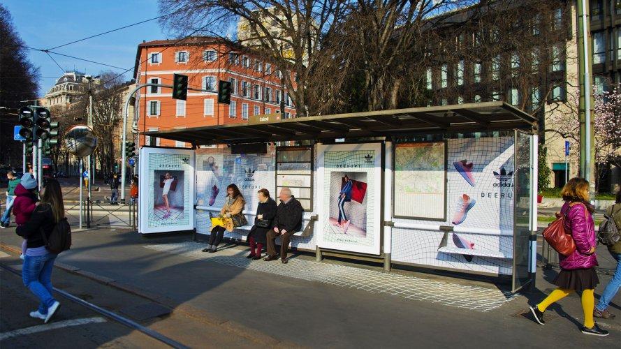 Pubblicità pensiline IGPDecaux Brand Pensilina a Milano per Adidas