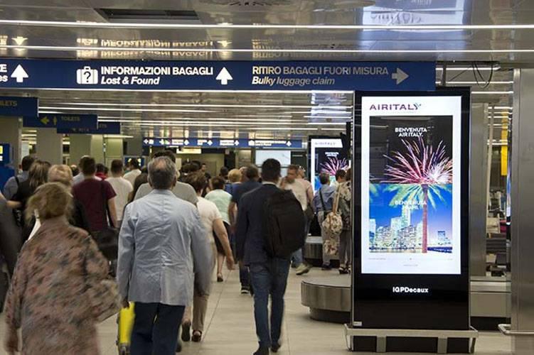 Aeroporto Linate pubblicità Network Vision Aeroporto IGPDecaux per AirItaly