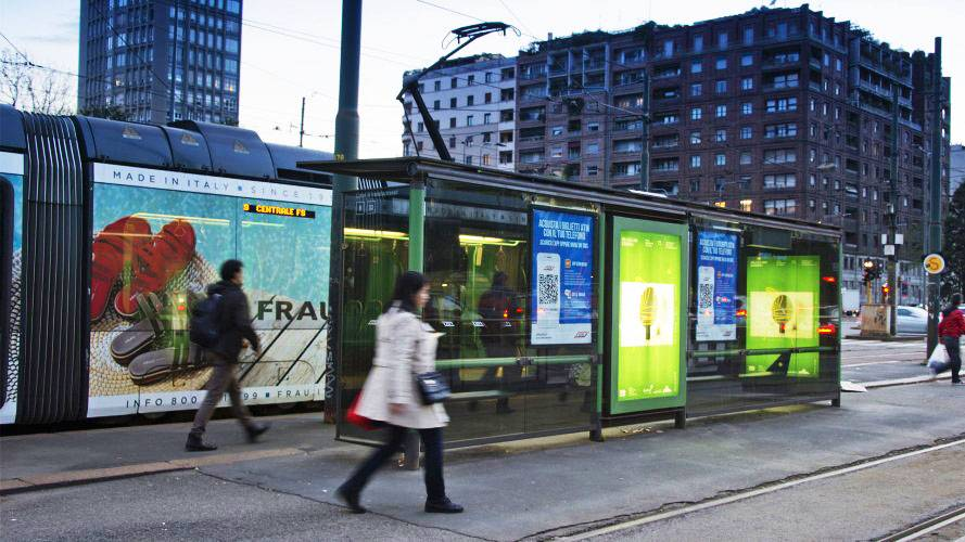 Digital out Of Home IGPDecaux in Milan Vision Network for Apex