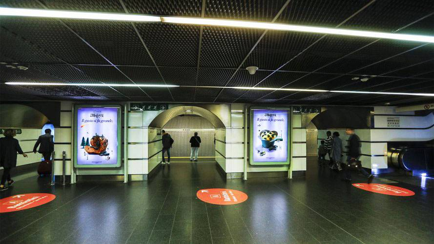 Pubblicità metropolitana Roma circuito a copertura portrait per Bauli IGPDecaux