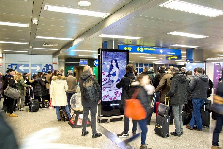 Pubblicità in aeroporto a Linate Network Vision Aeroporto per Calvin Klein IGPDecaux