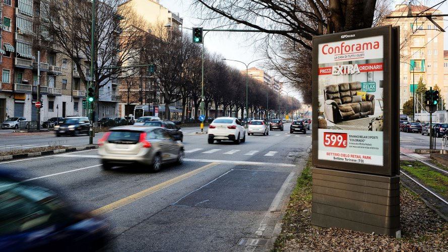 Out Of Home IGPDecaux Turin Bus Shelters + MUPI for Conforama