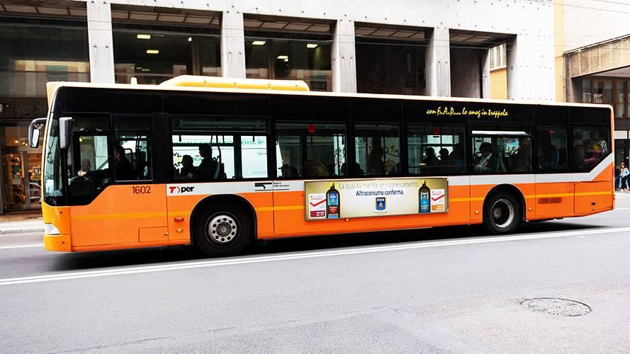 Pubblicità Out of Home a Bologna Side Banner IGPDecaux per De Cecco