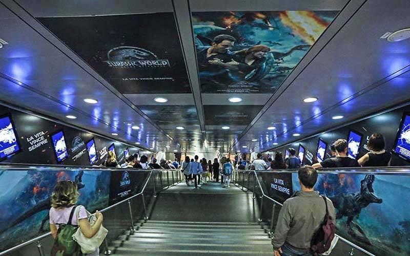 IGPDecaux Rome digital escalator for Jurassic World