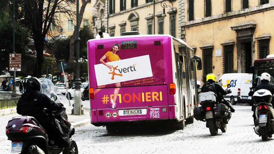 Pubblicità autobus IGPDecaux FullBack Roma per Direct Line