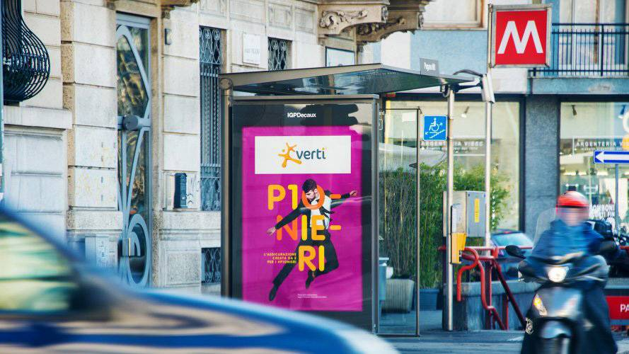 IGPDecaux Milan Bus Shelter + Mupi in Milan for Direct Line