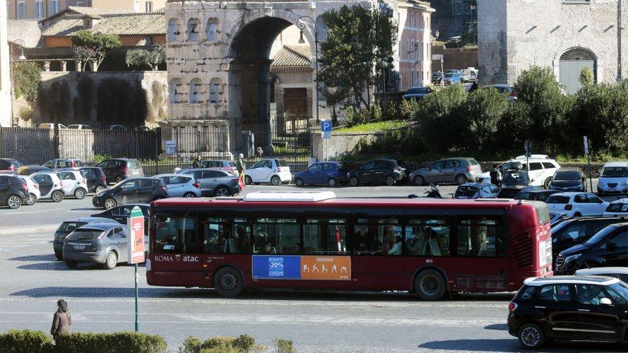 Pubblicità Roma IGPDecaux Side Banner Enel Energia