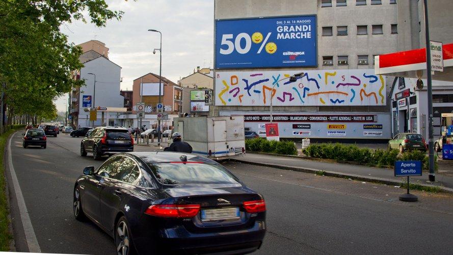 Pubblicità esterna IGPDecaux medio formato Milano per Esselunga