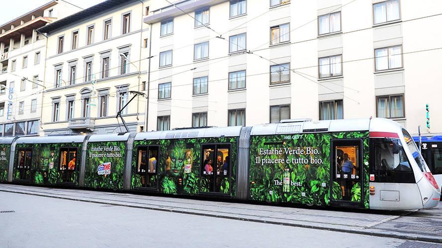 Pubblicità su tram IGPDecaux Firenze Full-Wrap per Esta Thè Bio