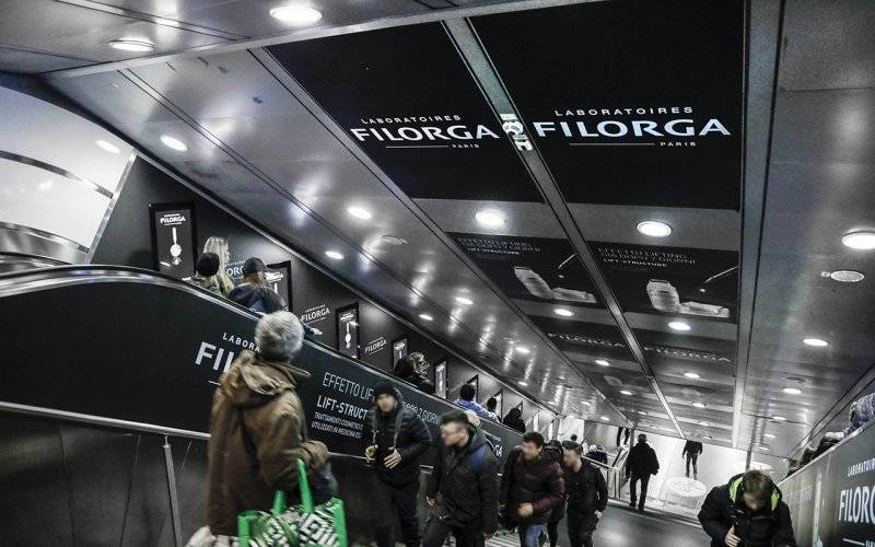 Outdoor advertising IGPDecaux digital escalator in Rome for Filorga
