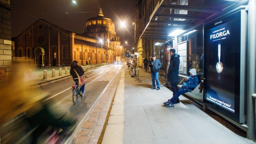 Pubblicità esterna IGPDecaux Milano Network Vision per Filorga