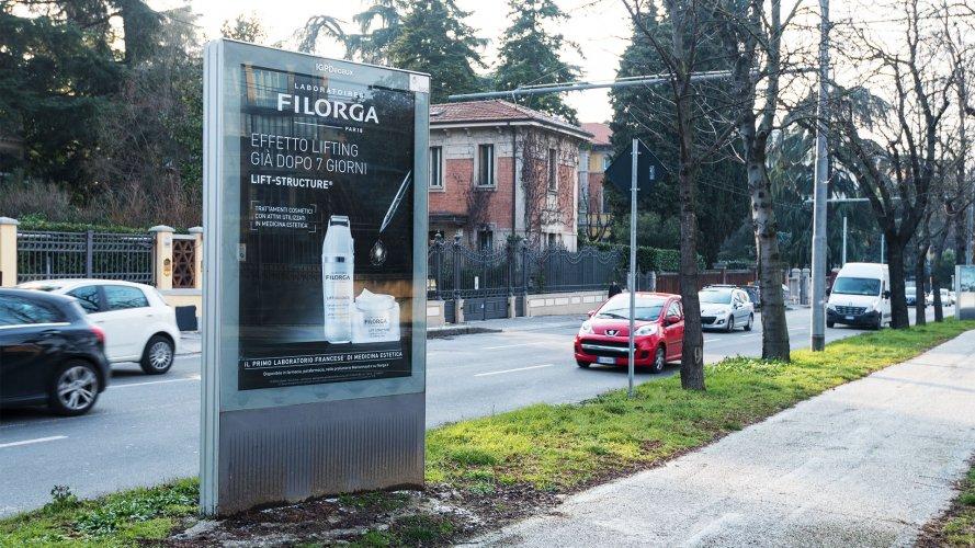 IGPDecaux Bolonia Bus Shelter + Mupi for Filorga