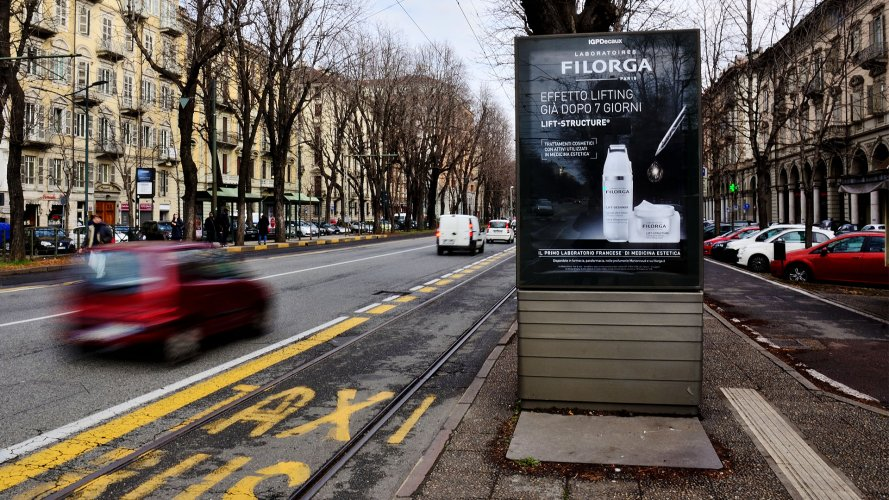 IGPDecaux Turin bus shelter + Mupi for Filorga