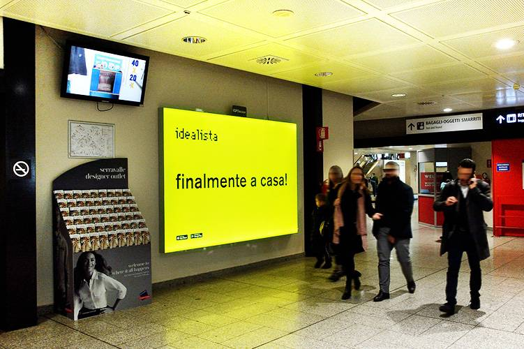 Outdoor advertising IGPDecaux Backlight in Genoa Airport for Idealista