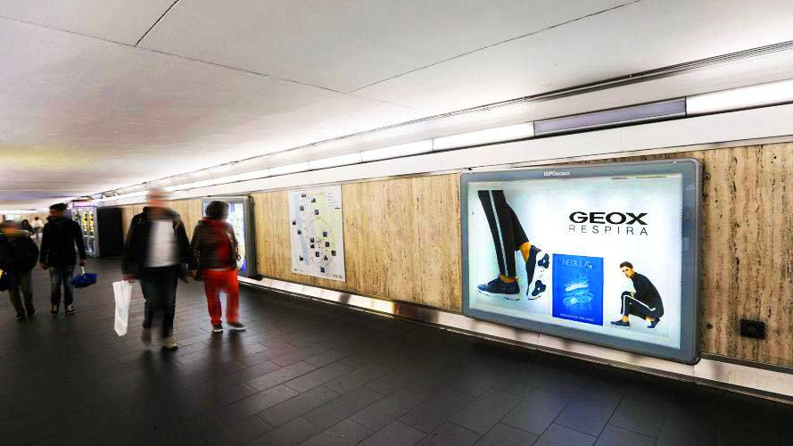 Underground advertising in Rome IGPDecaux landscape coverage network for Geox