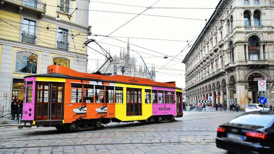 Pubblicità esterna IGPDecaux Milano Full-Wrap per Hogan