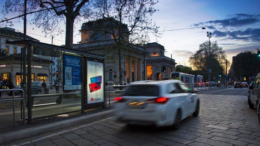 Milan advertising IGPDecaux brand shelter + Mupi for Huawei