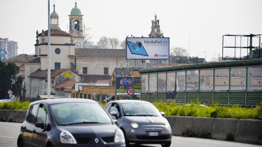 Cartelloni pubblicitari IGPDecaux Milano medio formato Huawei